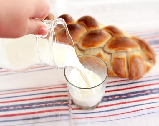 cana cu lapte cald