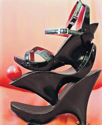 pantofi cu 3 platforme de Mihai Albu