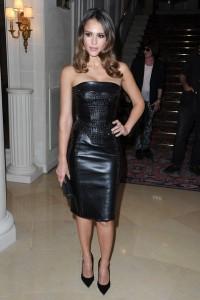 Rochie din piele neagră de la Versace