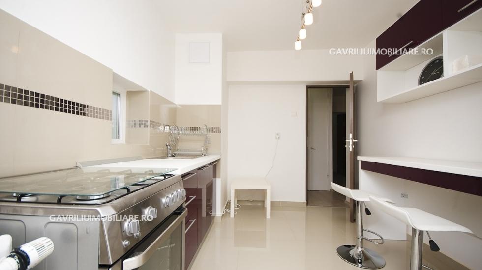 inchiriez apartament 4 camere Bucuresti