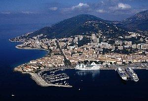 golful Ajaccio din insula Corsica