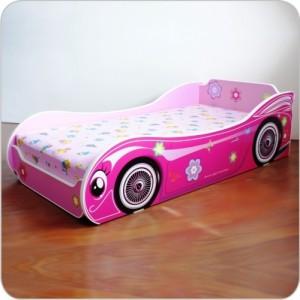 pat fetita roz model masina
