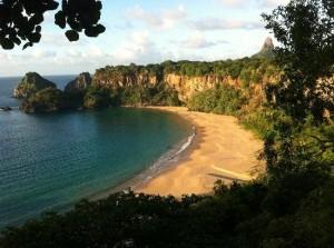 plaja Baia do Sancho
