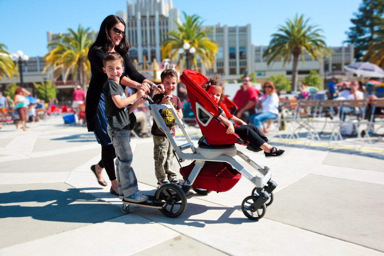 carucior copii cu placa de skateboard